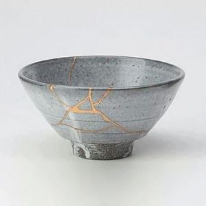 Tea_bowl_fixed_in_the_Kintsugi_method (2)